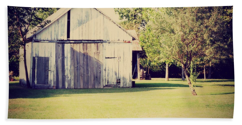 Nature Beach Towel featuring the photograph Ohio Shed by Paulette B Wright
