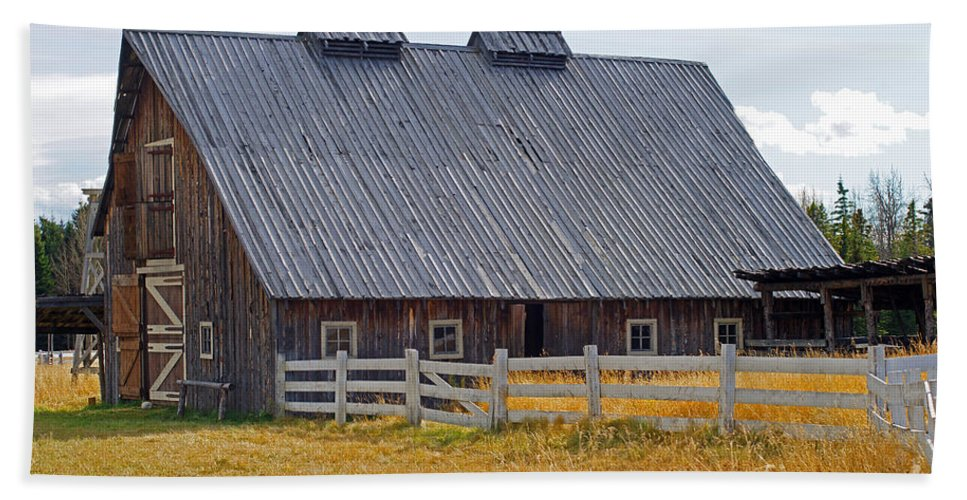 Old Barn Beach Towel featuring the photograph Old Barn And Fence by Randy Harris