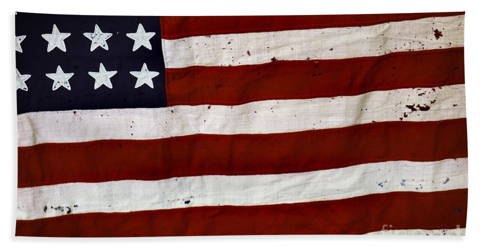 4th Beach Towel featuring the photograph Old Usa Flag by Carlos Caetano