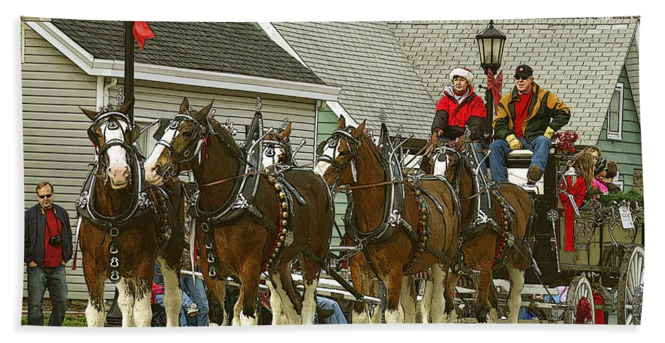 Horses Beach Towel featuring the photograph Olde Tyme Travel Clydesdales by Jenny Gandert