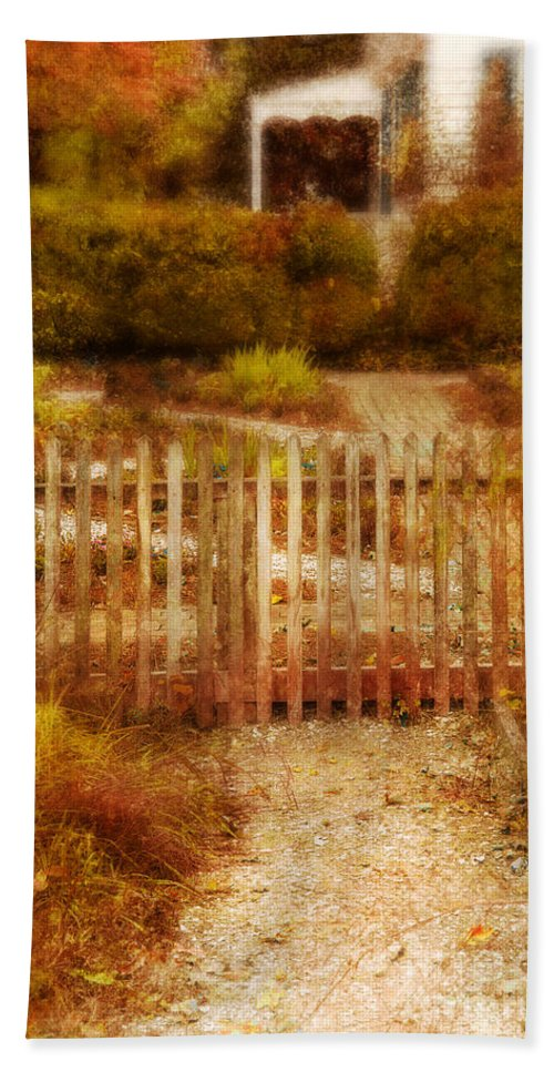 Fence Beach Towel featuring the photograph Picket Fence And Cottage by Jill Battaglia