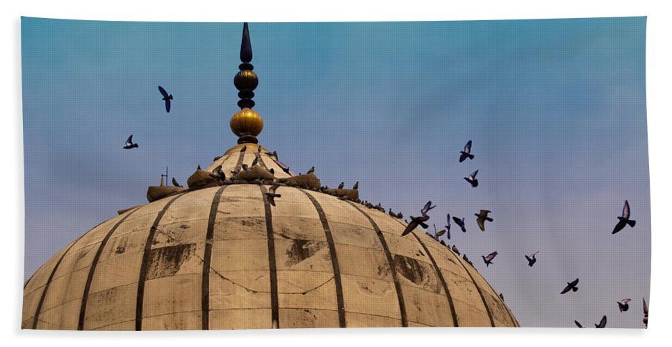 Jama Masjid Beach Towel featuring the photograph Pigeons Around Dome Of The Jama Masjid In Delhi In India by Ashish Agarwal
