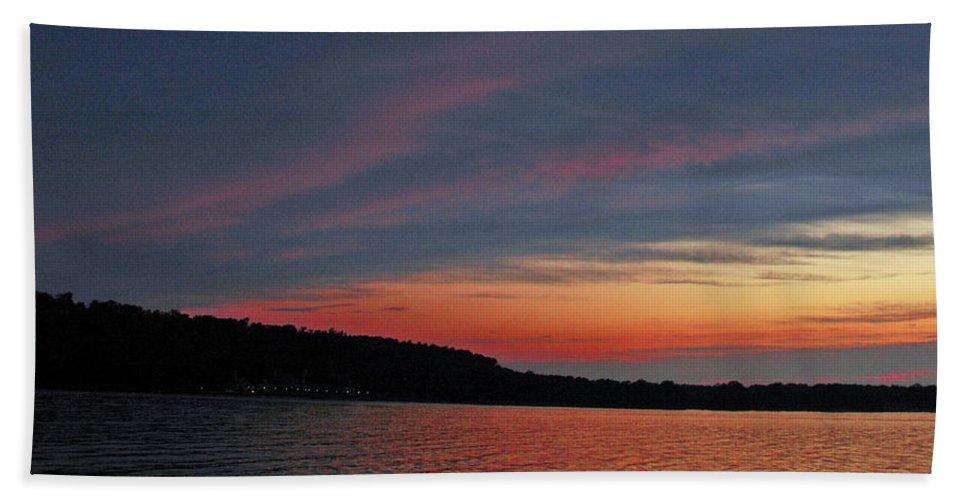 Usa Beach Towel featuring the photograph Pink Sky At Night by LeeAnn McLaneGoetz McLaneGoetzStudioLLCcom