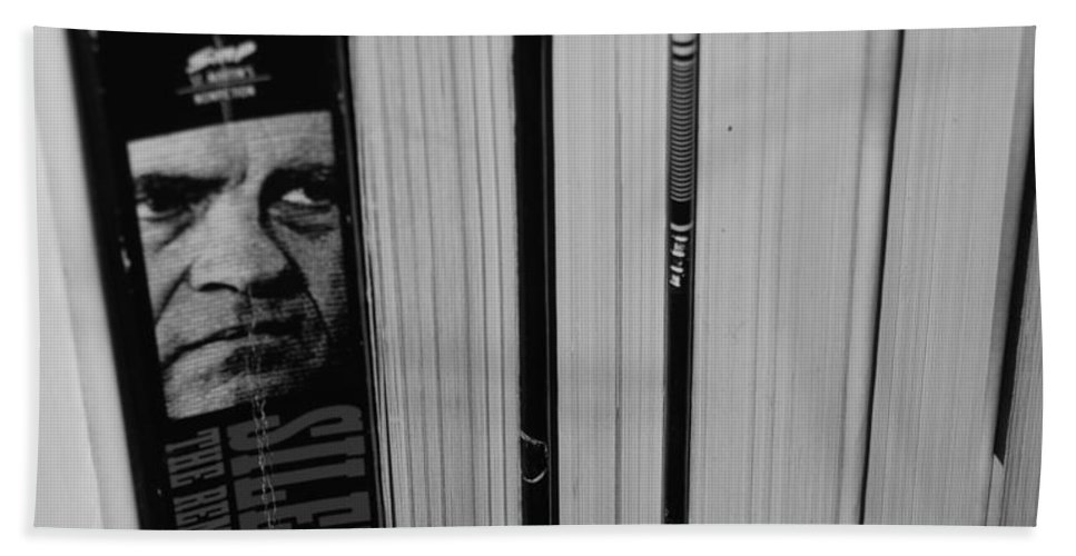Richard M Nixon Beach Towel featuring the photograph Reading With Dick In Black And White by Rob Hans