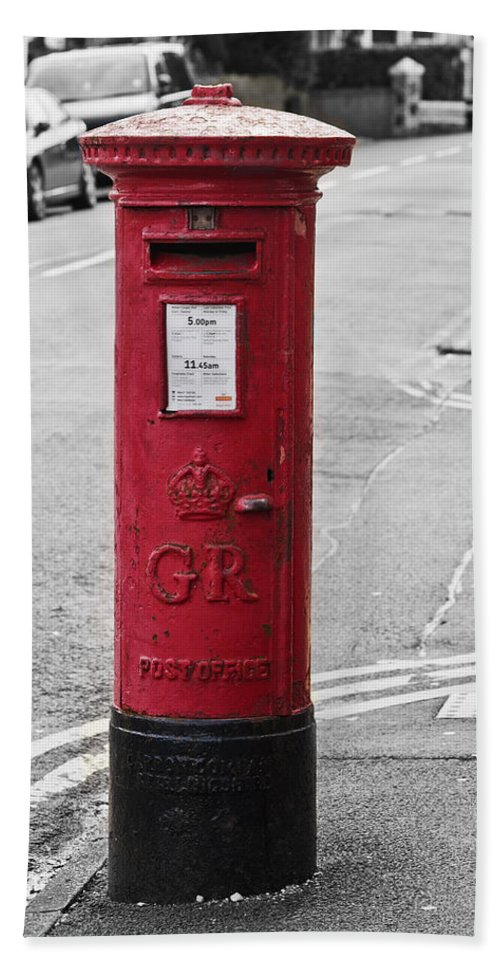 King George V Beach Towel featuring the photograph Red King George V Postbox by Steve Purnell