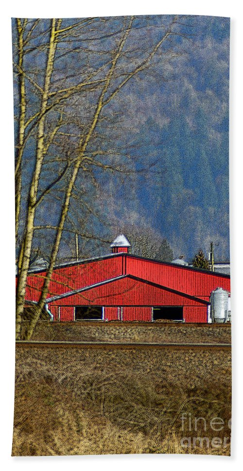 Barns Beach Towel featuring the photograph Red Matsqui Barn by Randy Harris