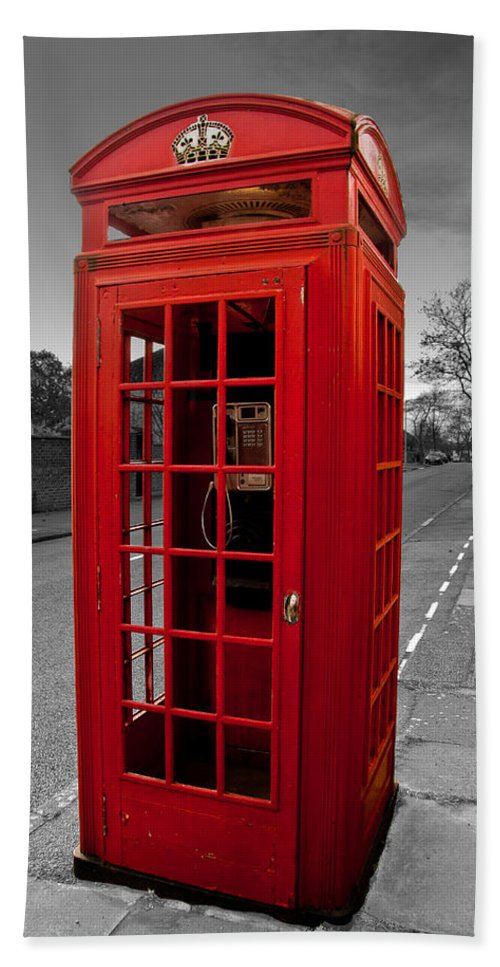 Telephone Box Beach Towel featuring the photograph Red Telephone Box by Dawn OConnor
