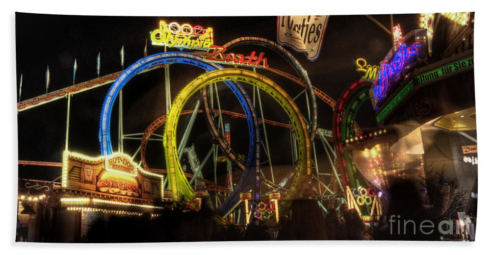 Rollercoaster Beach Towel featuring the photograph Rollercoaster At The Dom by Rob Hawkins
