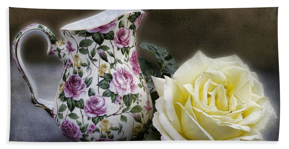Rose Beach Towel featuring the photograph Roses Speak Of Romance by Kathy Clark