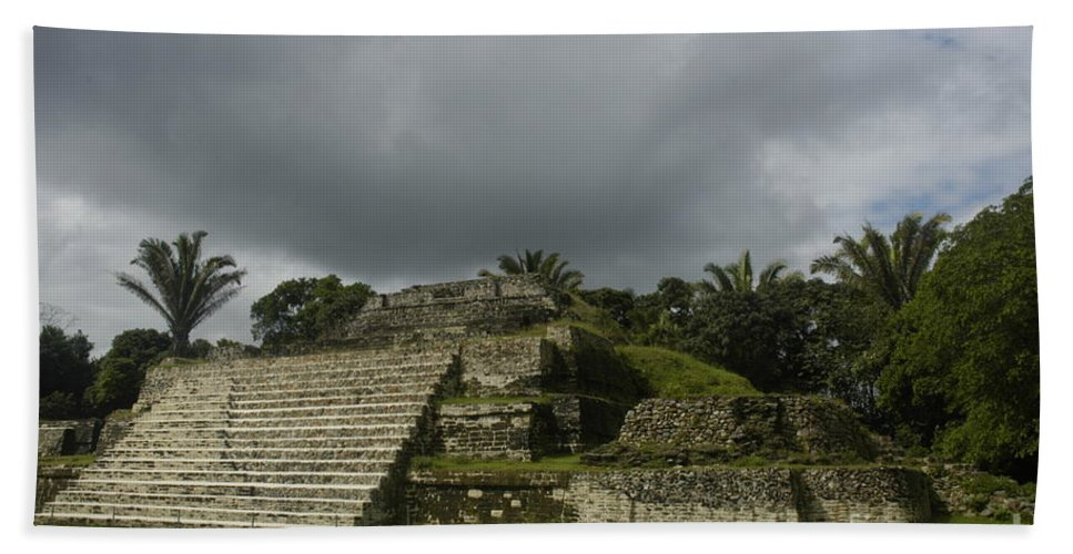 Ruins Beach Towel featuring the photograph Ruins At Altun Ha Belize by Vivian Christopher