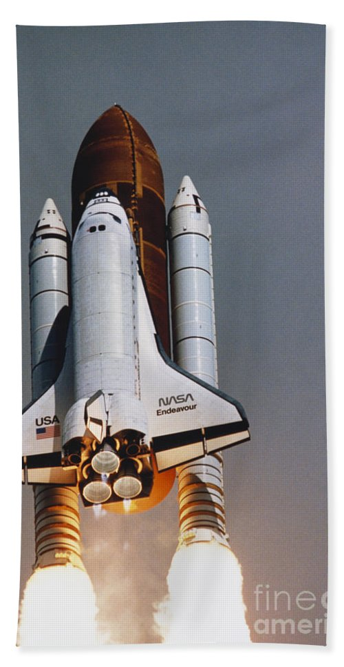 Space Travel Beach Towel featuring the photograph Shuttle Lift-off by Science Source