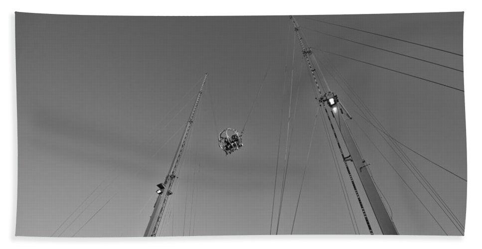 Entertainment Ride-state Fair Of Texas Beach Towel featuring the photograph Skybound by Douglas Barnard