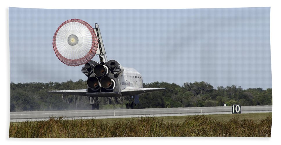 Ov-104 Beach Towel featuring the photograph Space Shuttle Atlantis Unfurls Its Drag by Stocktrek Images