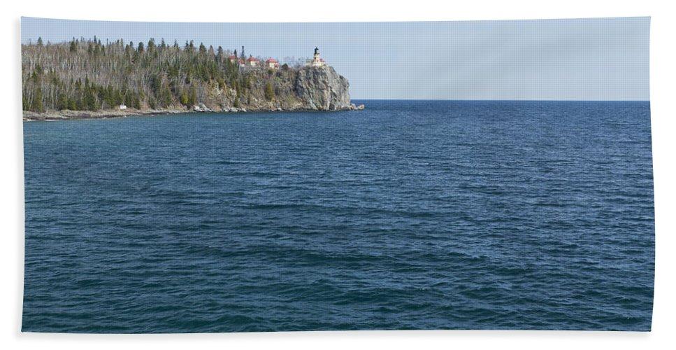 Split Beach Towel featuring the photograph Split Rock Lighthouse 80 by John Brueske