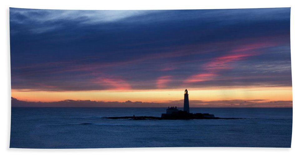 St Marys Beach Towel featuring the photograph St Marys Lighthouse Sunrise by David Pringle