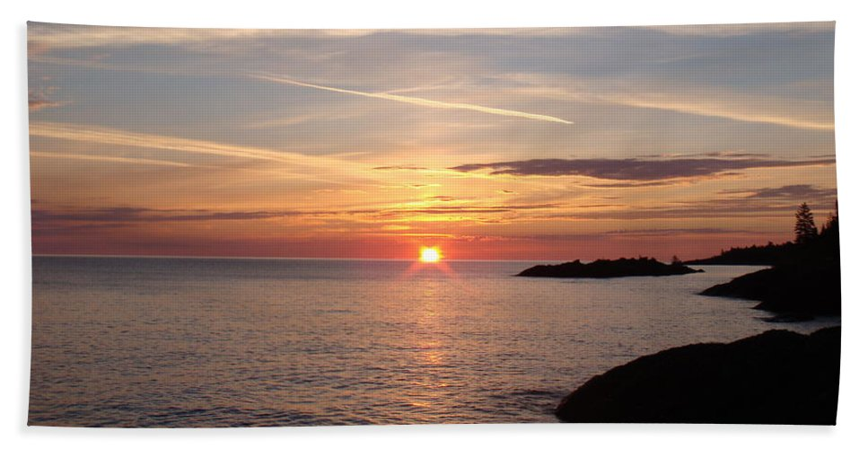Lake Superior Beach Towel featuring the photograph Sun Up On The Up by Bonfire Photography