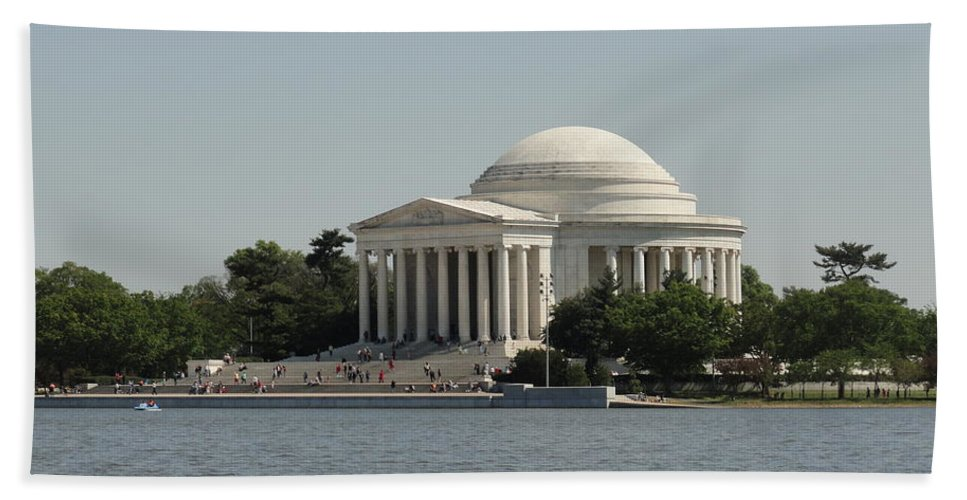 Jefferson Beach Towel featuring the photograph Sunny Jefferson by Meandering Photography