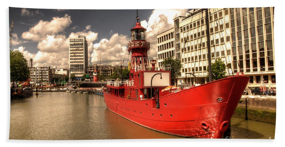 Lightship Beach Towel featuring the photograph The Old Lightship by Rob Hawkins