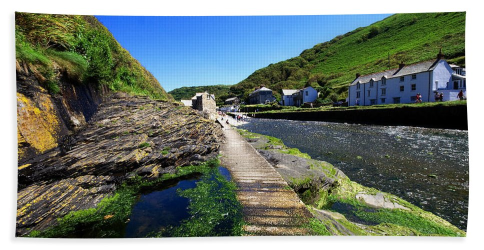 Boscastle Beach Towel featuring the photograph The River Valency At Boscastle by Rob Hawkins