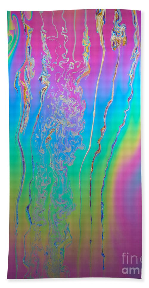 White Light Beach Towel featuring the photograph Thin Film Optical Interference by Ted Kinsman