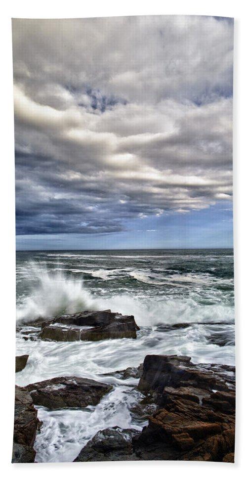 Maine Beach Towel featuring the photograph Thunder Hole by Rick Berk