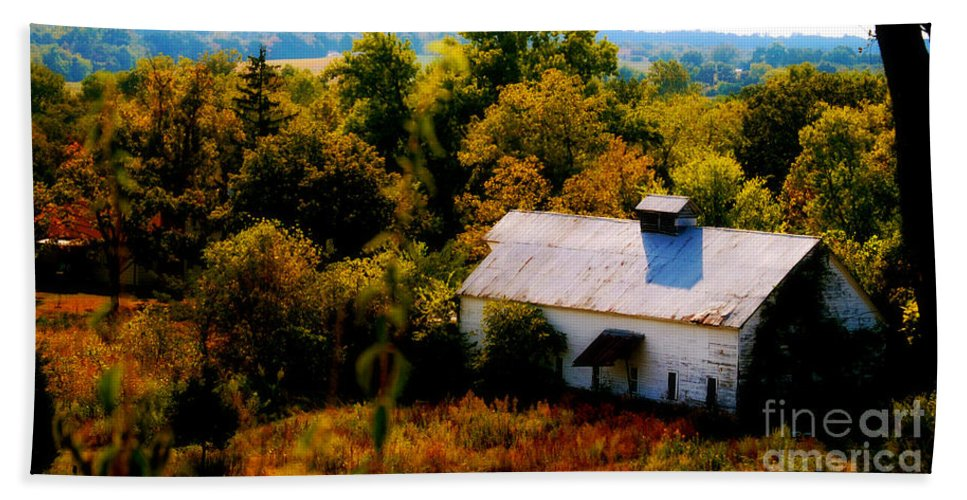 Barns Beach Towel featuring the photograph Touch Of Old Country by Peggy Franz