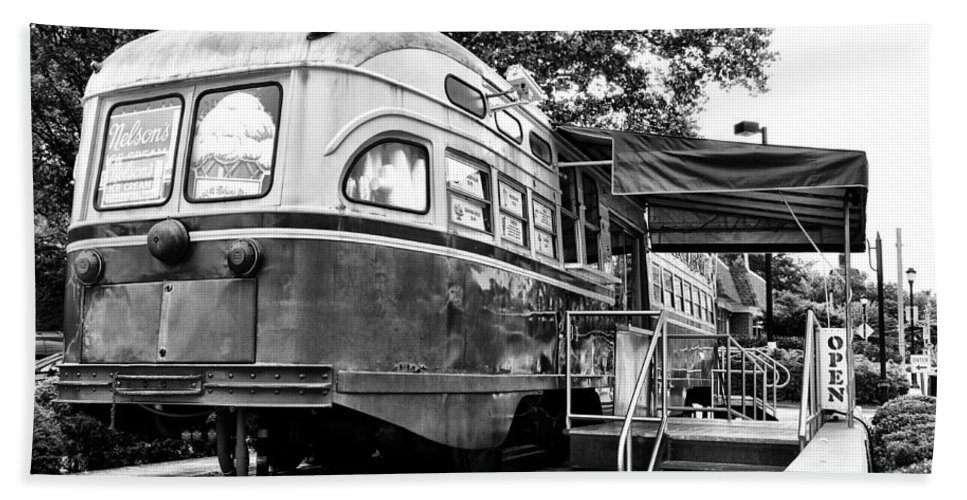 Trolley Beach Towel featuring the photograph Trolley Car Diner - Philadelphia by Bill Cannon