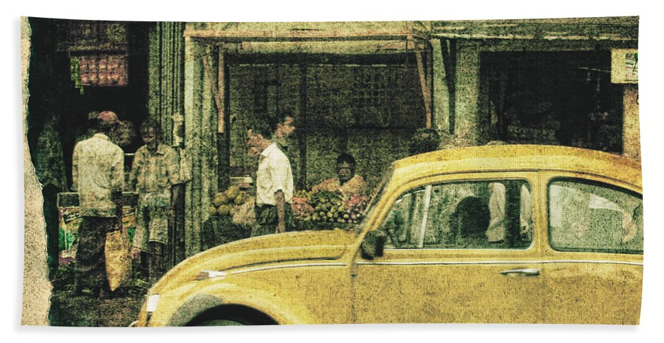 Sri Lanka Beach Towel featuring the photograph Unfinished Memory by Andrew Paranavitana
