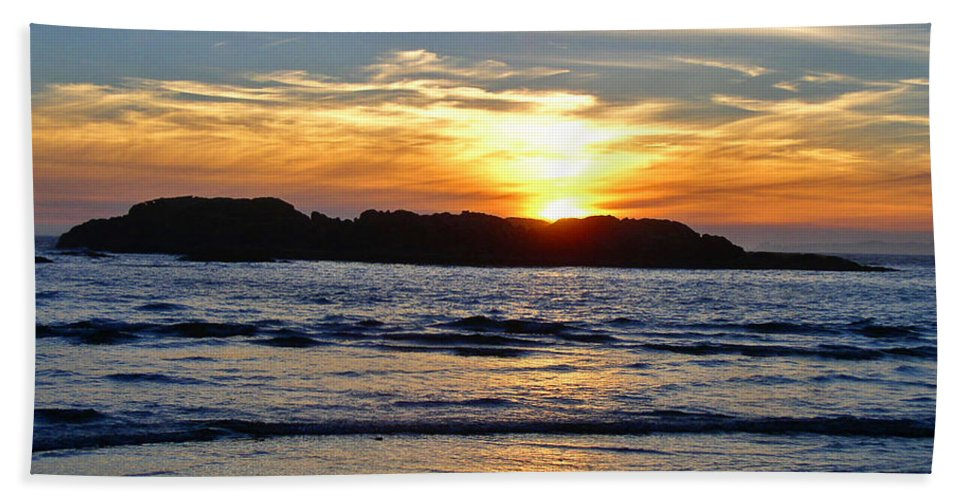 Sunsets Beach Towel featuring the photograph Vancouver Island Sunset by Randy Harris