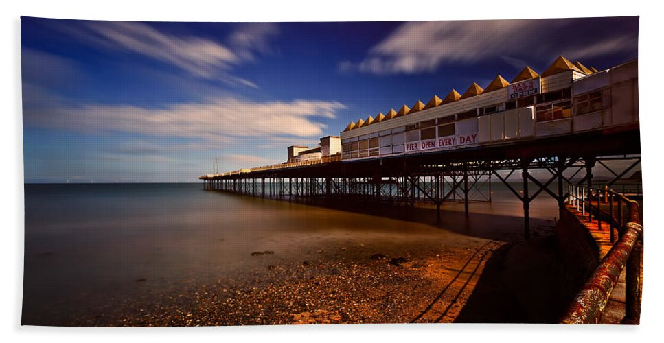 Pier Beach Towel featuring the photograph Victoria Pier by Adrian Evans