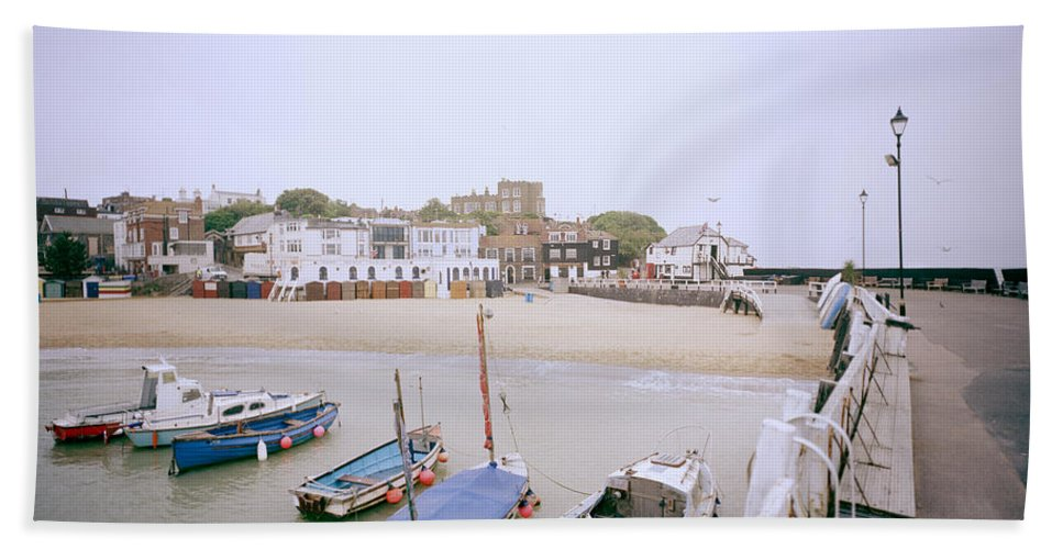 Seascape Beach Towel featuring the photograph Bleak House Broadstairs by Shaun Higson