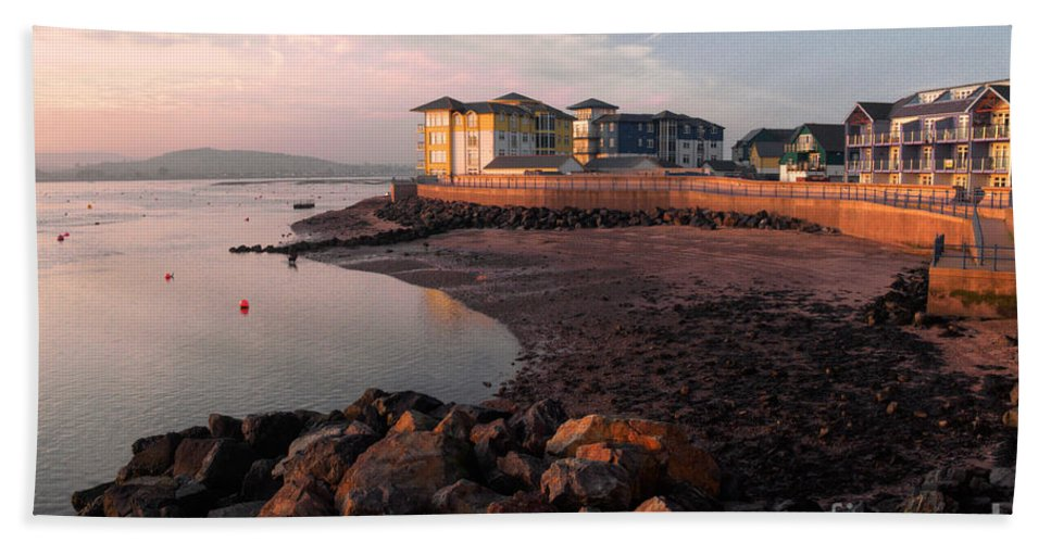 Exmouth Beach Towel featuring the photograph Waterside At Exmouth by Rob Hawkins