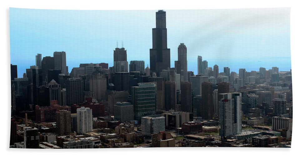 Cities Beach Towel featuring the photograph Willis Sears Tower 04 Chicago by Thomas Woolworth