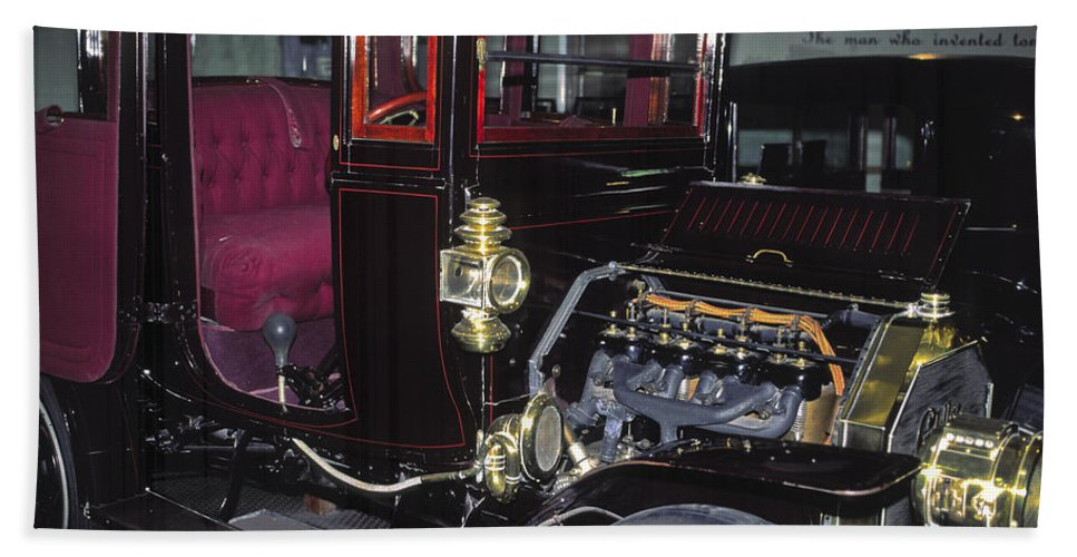 Edison's Ornate Car Beach Towel featuring the photograph 1919 Ford Model-t by Sally Weigand