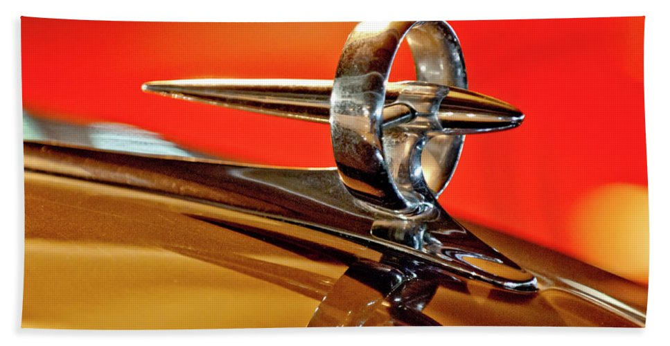 1947 Buick Beach Towel featuring the photograph 1947 Buick Roadmaster Hood Ornament by Jill Reger