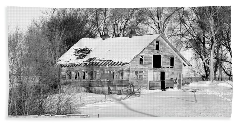 Fence Beach Towel featuring the photograph A Hard Life Winter 2 by Bonfire Photography