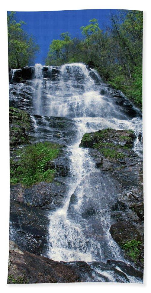 Waterfalls Beach Towel featuring the photograph amicalola falls Ga by David Campbell
