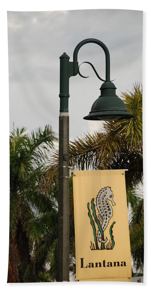 Sea Horse Beach Towel featuring the photograph Lantana Lamp Post by Rob Hans