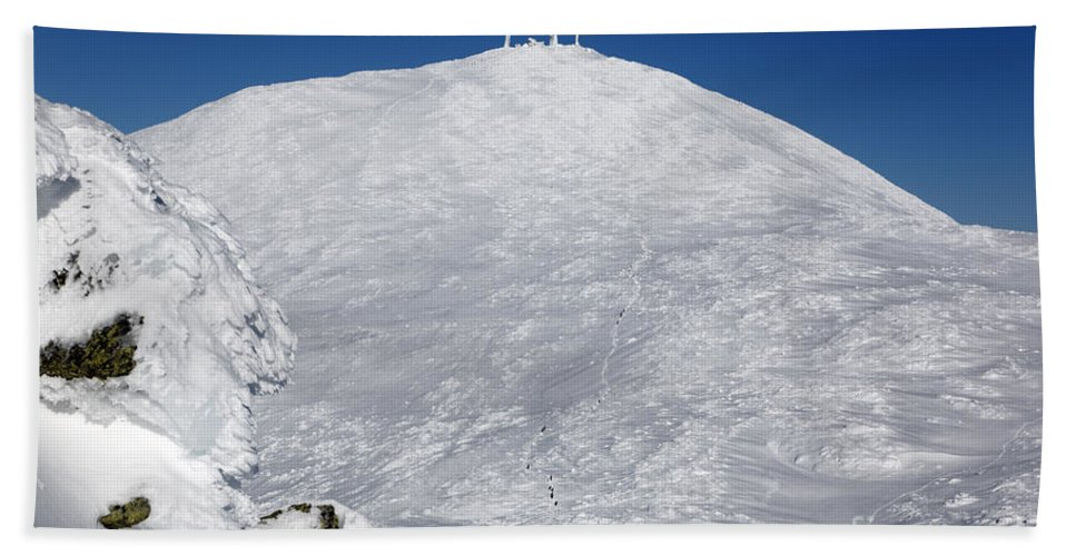 White Mountains Beach Towel featuring the photograph Mount Washington - White Mountain New Hampshire Usa Winter by Erin Paul Donovan
