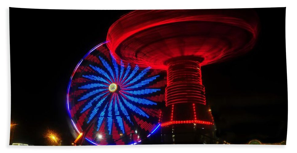Florida State Fair Beach Towel featuring the photograph Red Wheels by David Lee Thompson