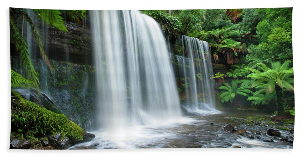 Waterfall Beach Towel featuring the photograph Russell Falls by Dennis Harding