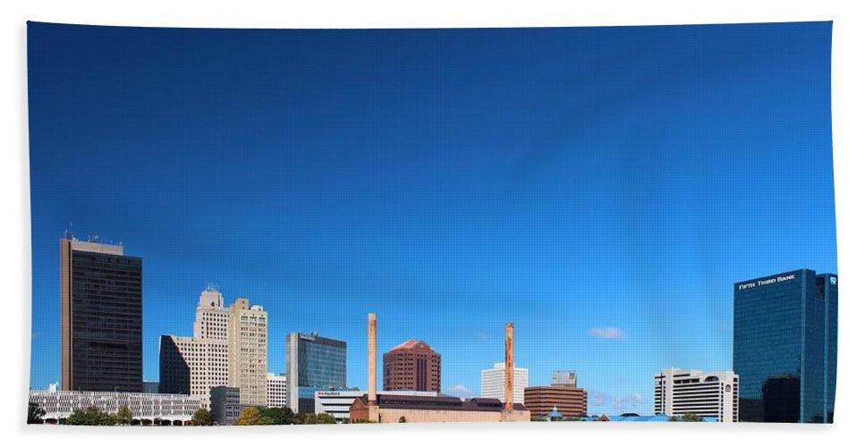 Toledo Beach Towel featuring the photograph Toledo Skyline I by Michiale Schneider