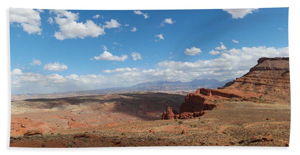 Rocks Beach Towel featuring the photograph Utah Landscape by Jeff Swan