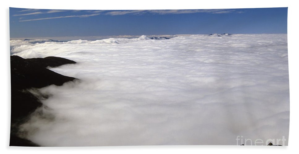 Hike Beach Towel featuring the photograph White Mountains New Hampshire Usa by Erin Paul Donovan