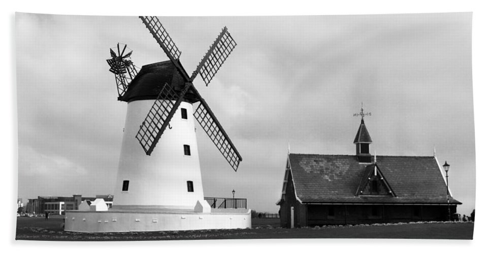 Windmill Beach Towel featuring the photograph Windmill At Lytham St. Annes - England by Doc Braham