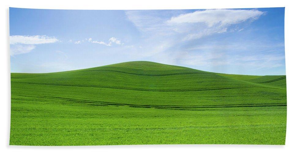 Palouse Beach Towel featuring the photograph Windows Xp by Kunal Mehra