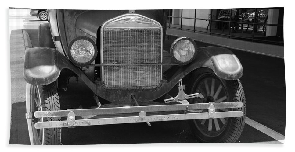 Black And White Beach Towel featuring the photograph 1926 Model T Ford by Rob Hans