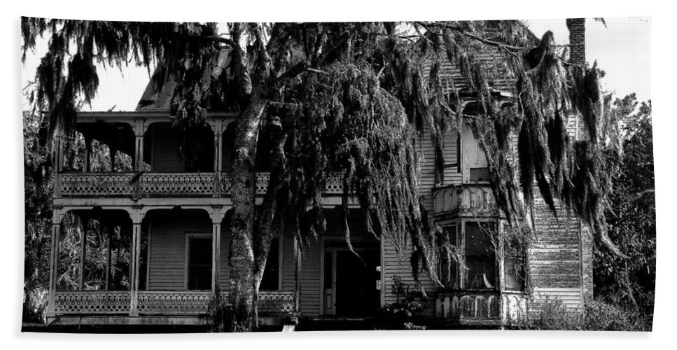 House Beach Towel featuring the painting 13th House On 13th Street by David Lee Thompson
