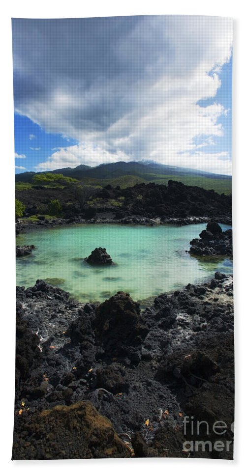 Ahihi Kinau Beach Towel featuring the photograph Ahihi Kinau Natural Reserve by Ron Dahlquist - Printscapes
