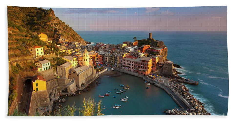 Vernazza Beach Towel featuring the photograph Cinque Terre by Brian Jannsen